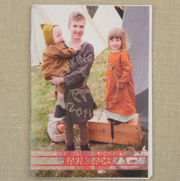 Children's clothing booklet - front