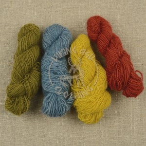 Plant-dyed single wool yarn 6/1