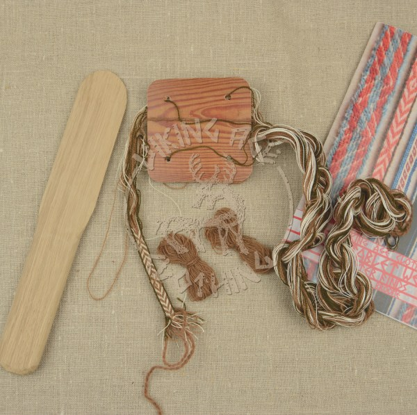 Kit for tablet weave from Kaupang - brown and dark olive