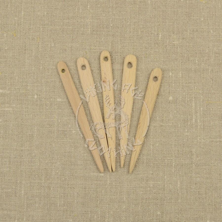 Handmade wooden nalbinding needles