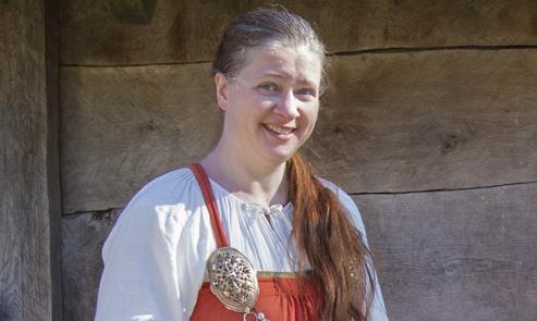 Susanna in Viking age clothing