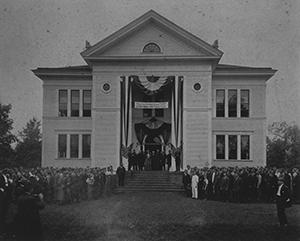 Hoge Building, 1910