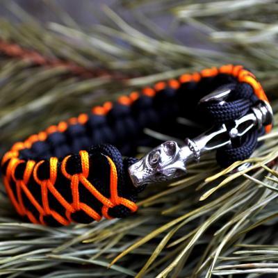 Фото браслет из паракорда Кобра с застежкой волчий крест