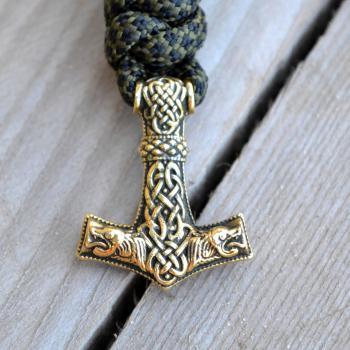 Фото браслет из паракорда с застежкой молот Тора