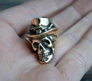 Фото бусина череп из черненой латуни