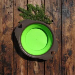 grön reseskål i silikon
