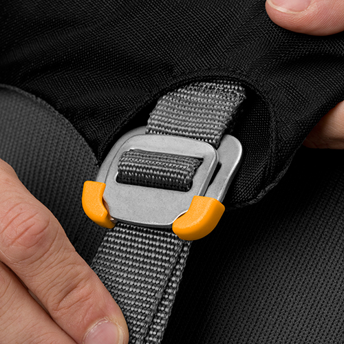 Ruffwear Load Up Harness buckle 1