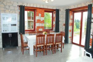 Къща 3 - обща трапезария, етаж 1