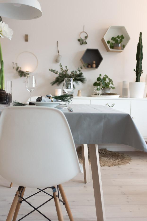 festliche tischdeko und ein last minute dessert villa josefina. Black Bedroom Furniture Sets. Home Design Ideas