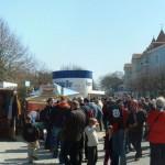 Zinnowitz: Markttreiben zu Ostern (Neue Strandstrasse)