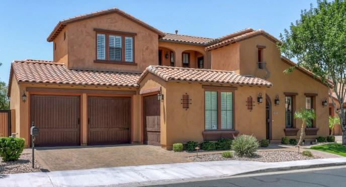 Tuscan-style home in Villa de Sorano Phoenix/Scottsdale Arizona