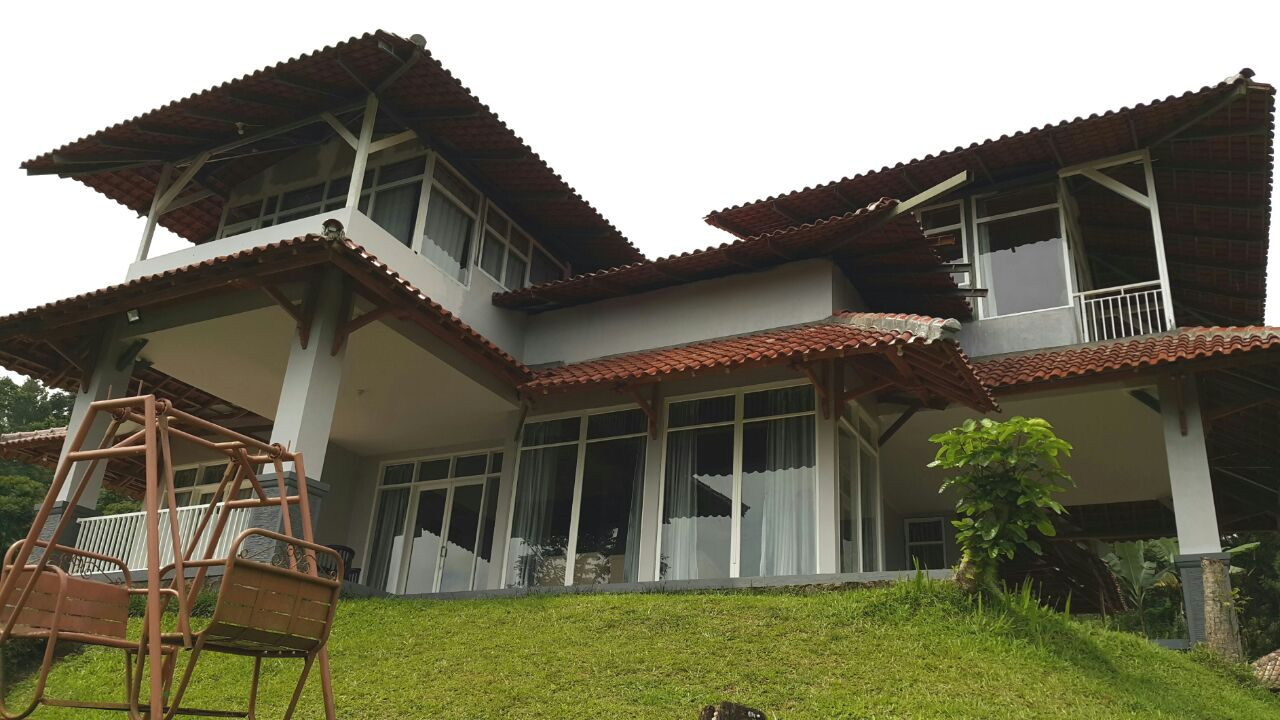 Villa Kaca Putih Puncak  Villa di Puncak