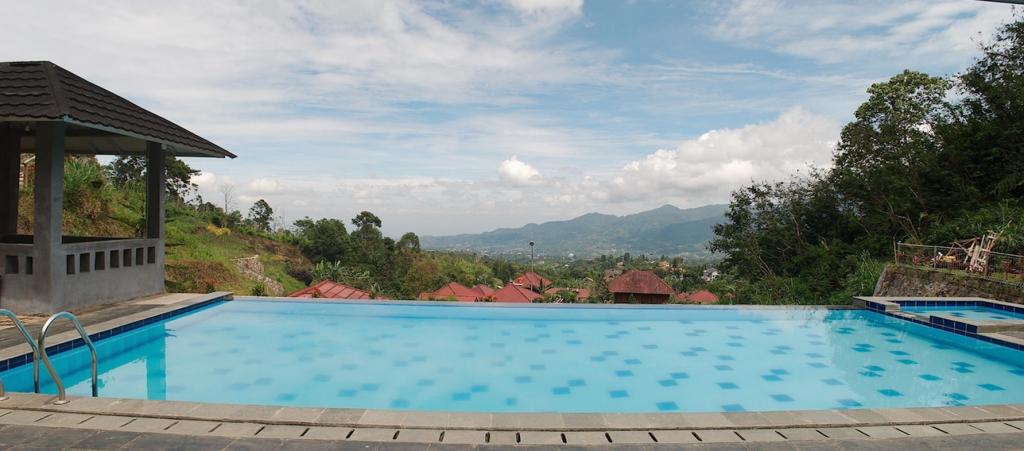 Villa Tania Kolam Renang Pribadi dengan Panorama Alam
