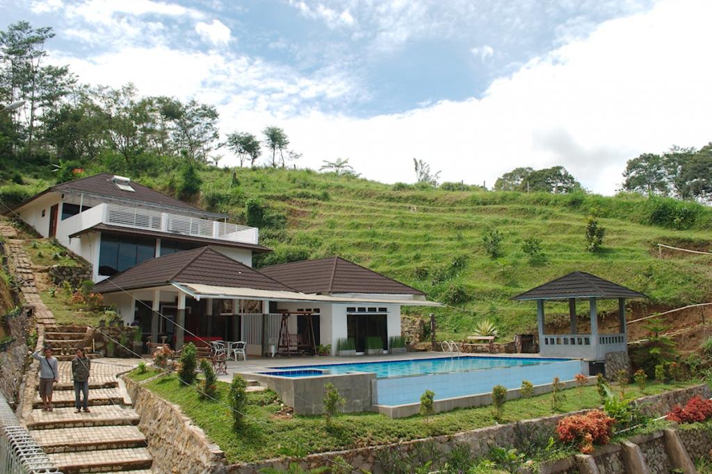 Villa Tania Kolam Renang Pribadi dengan Panorama Alam Puncak Yang Indah  Villa di Puncak