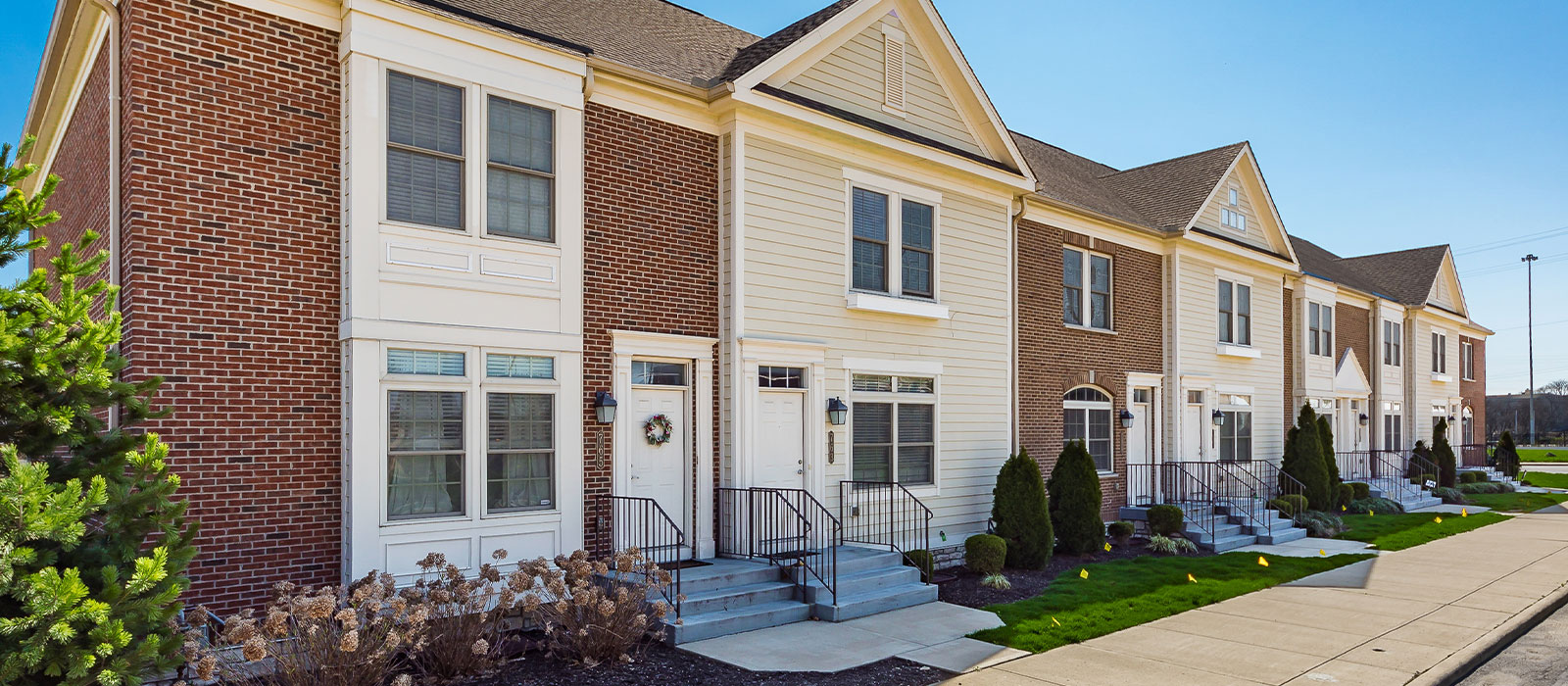 new village homes columbus apartments