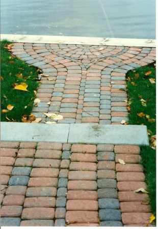 Paver_sidewalk_and_step