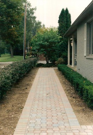 mix_red_pavers_sidewalk