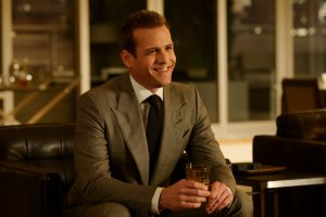 Season 9 Episode 4, Suits