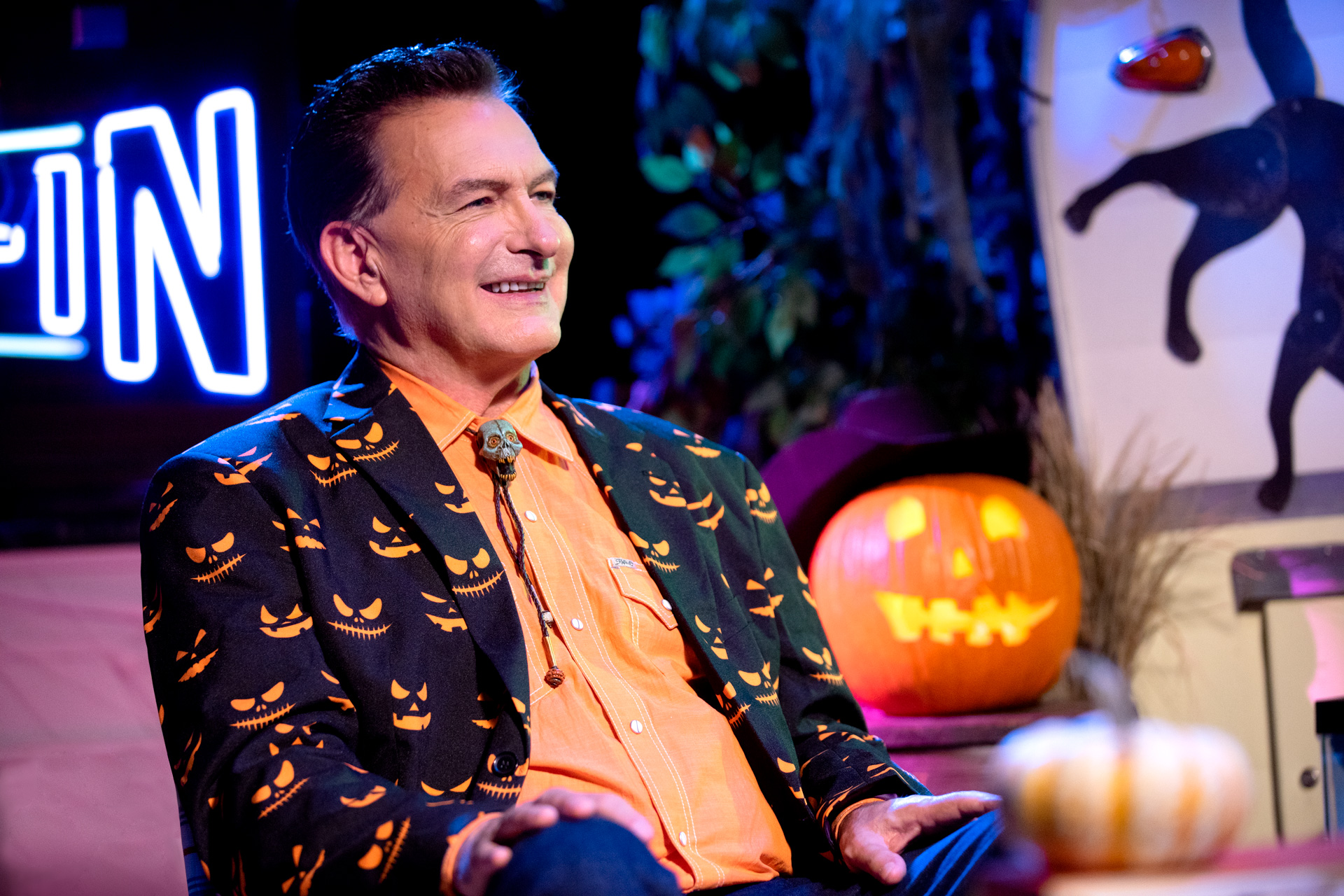 Halloween Hootenanny, Halloween