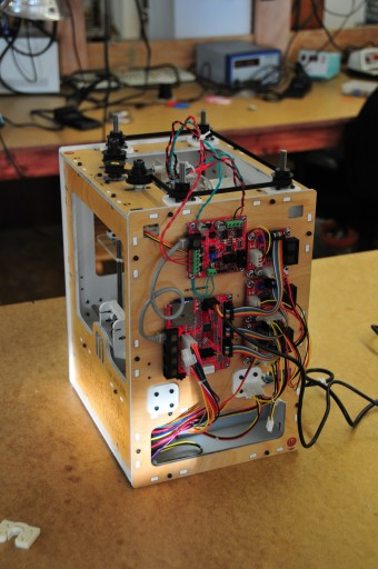Side-mounted extruder controller