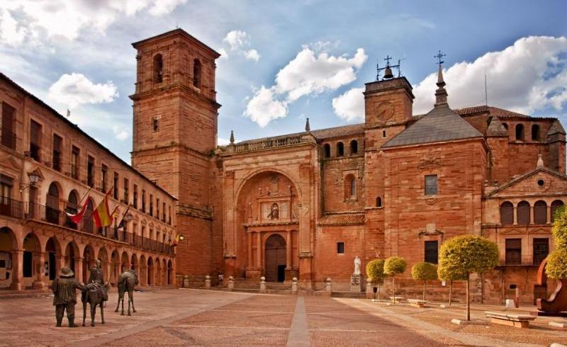 Plaza mayor Villanueva de los Infantes