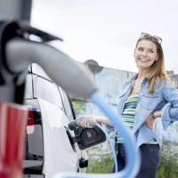 Zavar minket a magas vételár, mégis sokan vennénk villanyautót