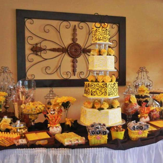 Candy Table and Cakes at Your Wedding | The Villa