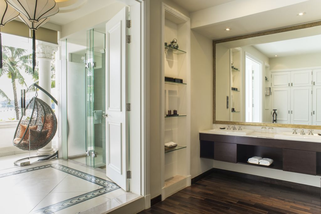 Riverview Luxury Suite With Balcony Villa Song Saigon Hotel