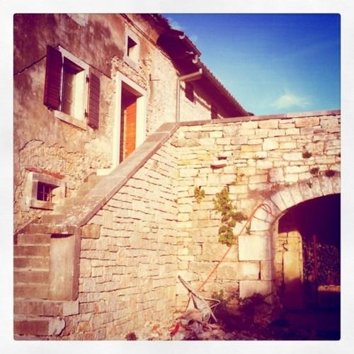 Old backyard entry