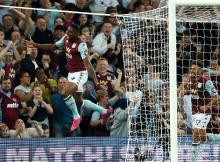 Wesley Aston Villa Everton Goal