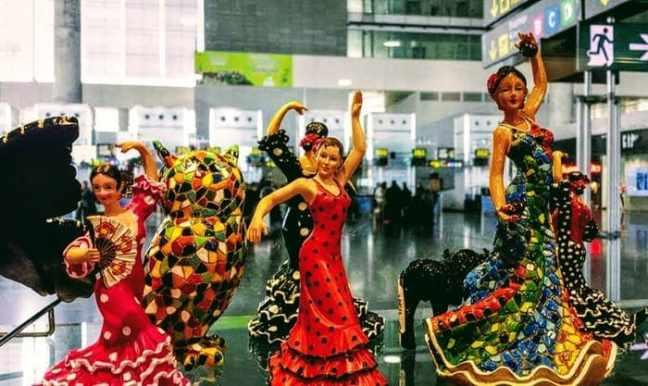 Flamencodamer i porslin