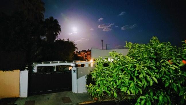 Månen är full på Costa del Sol.