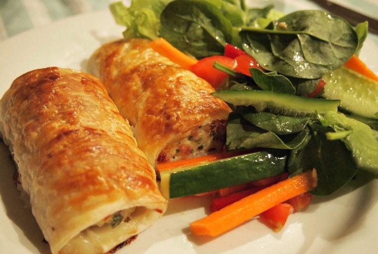 thai chicken sausage rolls