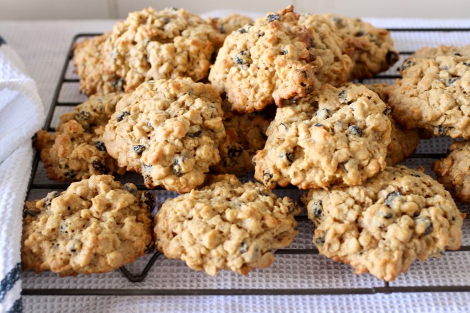 oat and peanut butter cookies