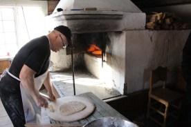 Karl-Einar bakar gakku