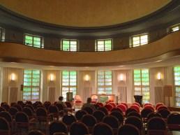 Saal mit Blick zum Altar