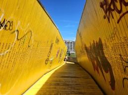 Brücke über die Bahn
