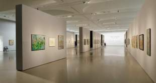 Iliustracijoje: A. Skačkausko kūrybos parodos ekspozicijos fragmentas. Tomo Kapočiaus nuotrauka.