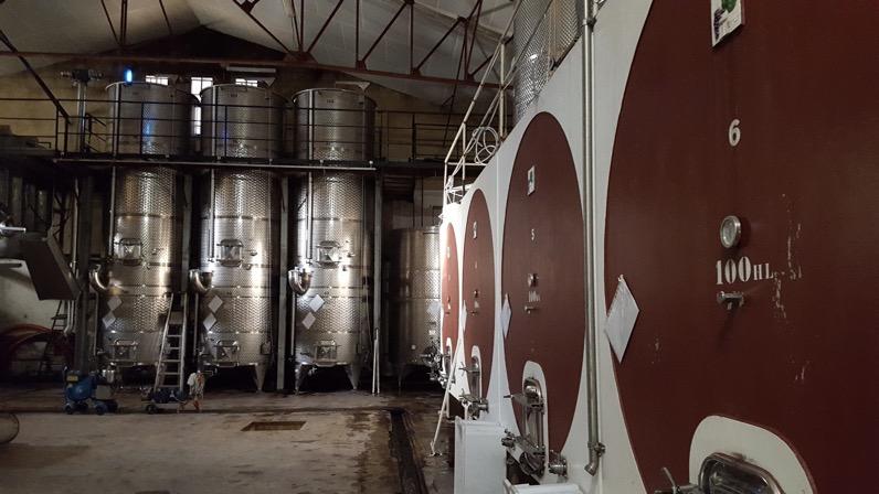 Cuve pour la vinification du vin blanc - château de Manissy - Tavel