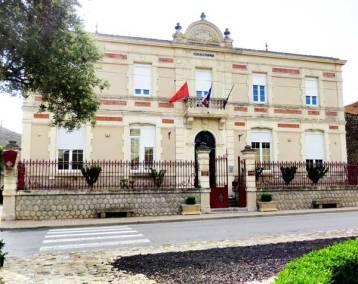 façade mairie de Vinassan