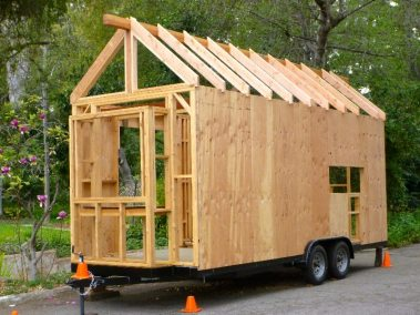 the-tiny-house-is-really-taking-shape