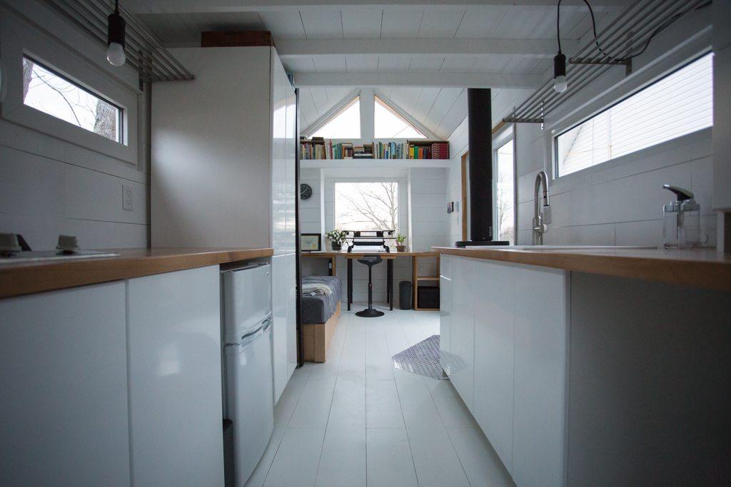 Gundruns-Modern-THOW-Office-5
