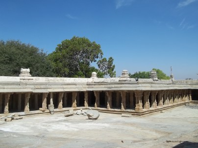 The Pillars go around the entire length of the boundary
