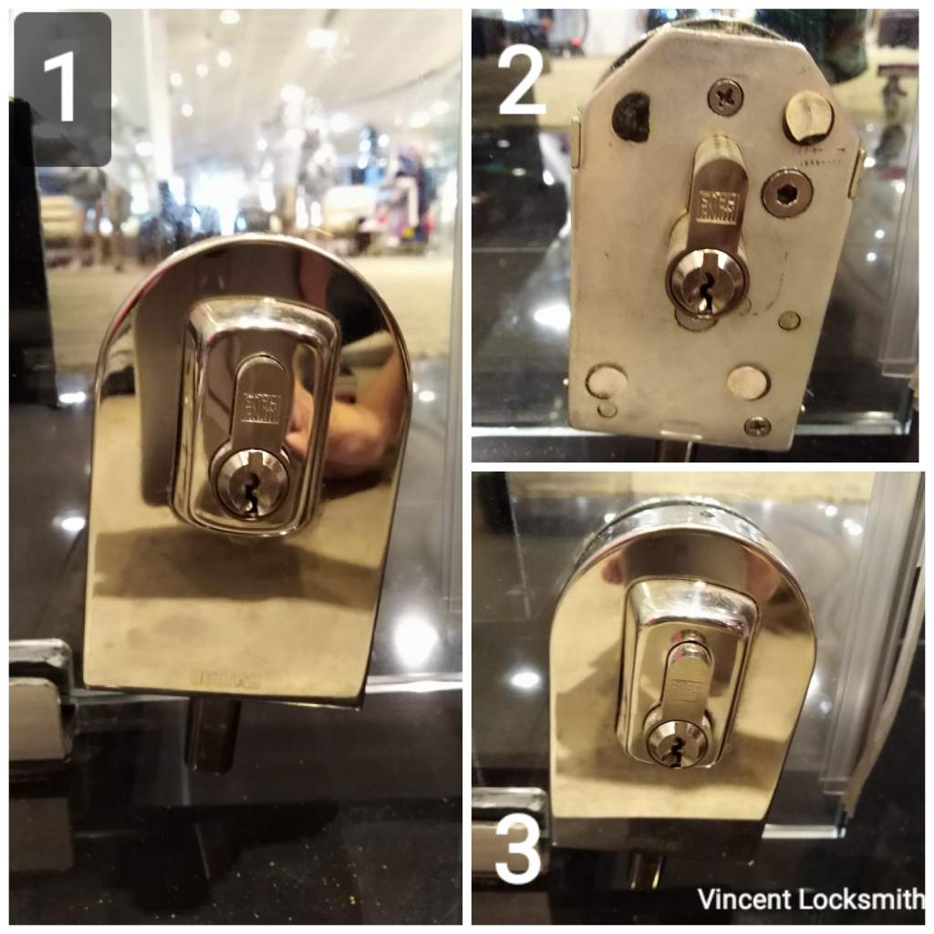 Adjustment of glass door lock