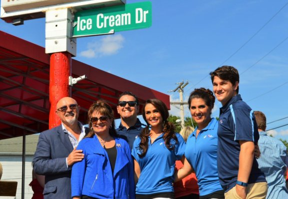 Family-Owned-Ice-Cream-Parlor-Delaware