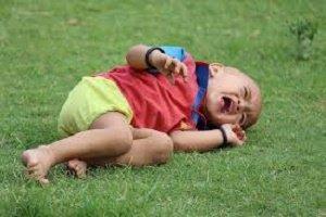 Comportamenti ideali per calmare i bimbi dopo uno spavento