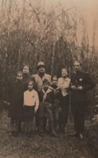 lg-con-le-sorelle-i-nipoti-e-suo-cognato-il-marchese-orazio-giffone