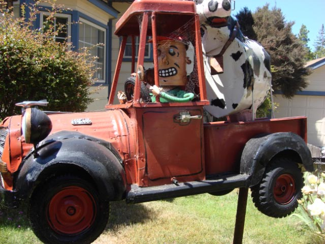 Patrick Amiot sculpture, Sebastopol, CA on July 7 2009 9