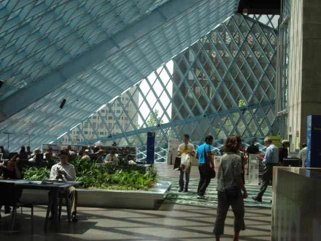 Rem Koolhaas' Seattle Public Library July 09 13