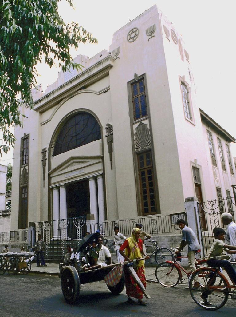 Magen-Abraham-Synagogue-Ahmedabad-1987 (1)